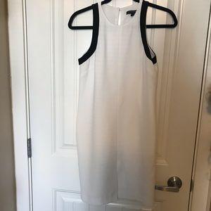 Banana Republic Dresses - ❤️ 2 for $15 🛍 Banana Republic dress white black
